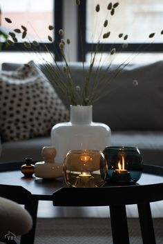 living room designs and colour schemes Candle Displays, Living Room Style, Decor, Decorating Coffee Tables, Living Room Designs, Coffee House Interiors, Christmas Home, Living Room Candles, Neutral Living Room