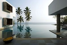 Cliff House, designed by Khosla Associates, is located in Kerala, India. It's truly a dream holiday house with quite unusual design that many people Angular Architecture, Interior Architecture, Indian Architecture, Creative Architecture, Interior Design, Room Interior, Interior Decorating, Decorating Ideas, Maison Sur Leau