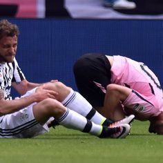 Claudio Marchisio back in Italy squad after knee injury, Balotelli left out