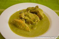 Recetas de pollo hay muchas, pero este pollo en crema de champiñones y chile poblano de la cocina mexicana es inigualable.