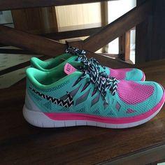 Nike Free Runs for Women. Chevron!!!!