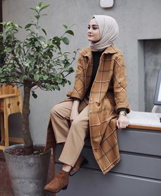 120 new fashion hijab outfits casual muslim – page 1 Modern Hijab Fashion, Street Hijab Fashion, Muslim Fashion, Modest Fashion, Fashion Muslimah, Hijab Fashion Inspiration, Fashion Ideas, Fashion Tips, Fashion Trends