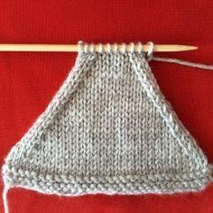 Diminutions : ssk et Knitting Stiches, Knitting Socks, Crochet Stitches, Knit Crochet, Afghan Crochet Patterns, Knitting Patterns, Knitting Increase, Crochet Star Stitch, Crochet Girls
