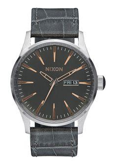 http://www.nixon.com/us/en/sentry-leather/A105.html?dwvar_A105_color=2223