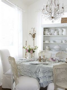 I adore a pretty petticoat tablecloth. Further proof that you don't need a lot of space to achieve true beauty.