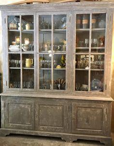 Ancienne vitrine d'école 1900 Decoration, China Cabinet, Beige, Storage, Furniture, Home Decor, Glass Display Case, Decor, Purse Storage