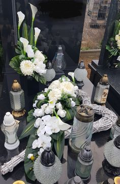 Cemetery Decorations, Table Decorations, Ikebana, Christmas Inspiration, Wedding Makeup, Funeral, Paper Flowers, Flower Arrangements, Diy And Crafts
