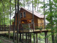 A front view. It is wheel chair accessible. The back deck is  22 feet off the ground. www.TheMohicans.Net