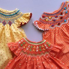 Coquito - Sweet hand-smocked dresses for little girls! Little Girl Dresses, Little Girls, Girls Dresses, Sweet Girls, Fashion Kids, Fashion Fashion, Fashion Outfits, Smocks, Smocking Patterns