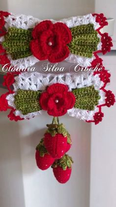 puxador de geladeira 2 peças Crochet Home Decor, Crochet Crafts, Crochet Projects, Crochet Flower Tutorial, Crochet Flowers, Creative Crafts, Diy And Crafts, Easter Crafts, Christmas Crafts