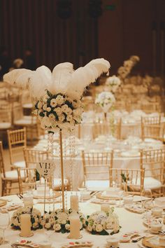 White Ostrich Feather Wedding Table Decor Jamie And Gidania S Roaring Twenties At Capella