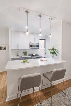Nice 41 Small Apartment Kitchen Ideas https://bellezaroom.com/2017/09/16/41-small-apartment-kitchen-ideas/