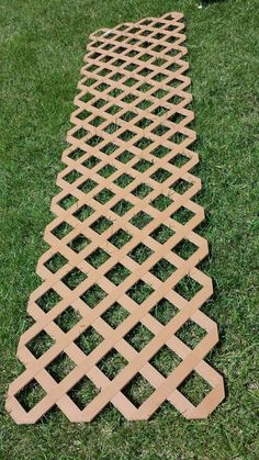 Gardeners: stop hogging the lattice! It's SO stunning in your kitchen