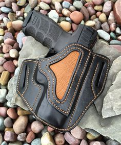Items similar to Custom hand stitched leather holster: Glock H&K on Etsy Leather Art, Leather Tooling, Stitching Leather, Hand Stitching, Pistol Holster, 1911 Holster, Revolver, Custom Leather Holsters, Leather Projects