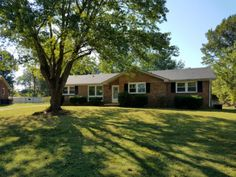 134 Dave Dr, Clarksville, TN 37042 - MLS/Listing # 1773101Buy this home today! This home has brick, New paint, new flooring, new appliances and huge deck.  $129900 Dustin Martin, Realtor Keller Williams Realty 2271 Wilma Rudolph Blvd. Clarksville TN. 37040 Direct: 931.278.1814 Office: 931.648.8500 www.RealEstateInClarksvilleTN.com Each Keller Williams office is  independently owned and operated ***listing provided by Ryan Parr- Keller Williams.