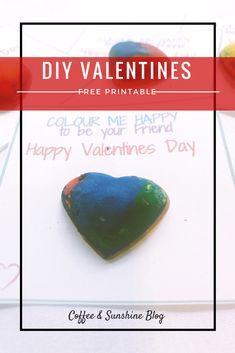 {FREE PRINTABLE } Do you have sad peeled crayons laying around? This is a great way to make use of those and make some DIY Valentines cards!!