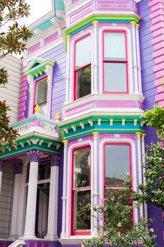 the 10 most instagrammable spots in San Francisco | sassy red lipstick