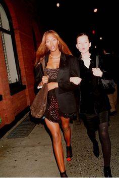 Kate Moss, New York avec Naomi Campbell Teyana Taylor, Twiggy, Keke Palmer, Kris Jenner, Rita Ora, Miroslava Duma, Vanessa Hudgens, Naomi Campbell 90s, Style Androgyne