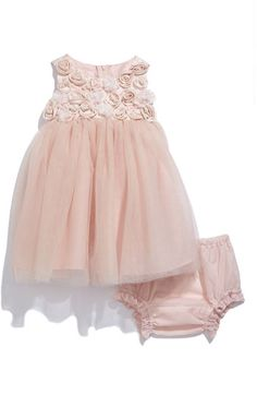 so sweet..looks like a good easter dress for lisa