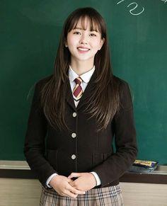 Kim Sohyun, Kdrama, Style, Anime, Fashion, Swag, Moda, Fashion Styles, Cartoon Movies