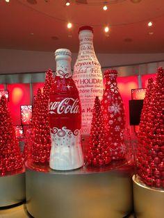 World of Coca-Cola - Downtown Atlanta - Atlanta, GA Coca Cola Santa, Coca Cola Christmas, Coca Cola Ad, Always Coca Cola, World Of Coca Cola, Coca Cola Bottles, Vintage Coca Cola, Atlanta, Coca Cola Museum
