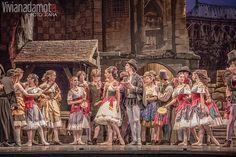 Elisa Carrillo con la Compañía Nacional de Danza (CND) del INBA— La Esmeralda, ballet en tres actos con coreografía de Jules Perrot y Ma-rius Petipa y música de Cesare Pugni.