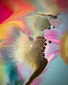 Another level altogether 😱 ⠀ Page brought to you by with 💞 for all types of fluid art. Alcohol Ink Painting, Alcohol Ink Art, Pour Painting, Types Of Painting, Acrylic Pouring Art, Acrylic Art, Pintura Graffiti, Art Moderne, Resin Art