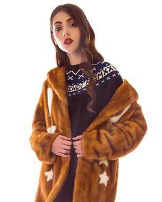It's time to choose what will warm you up this season Який верхній одяг обрати цієї зими? Зараз  кращий час щоб поставити собі це питання. Відповідь на #VogueUA  @sanahuntstore #sanahuntstore #mateofficial #fendi @fendi #style #trend via VOGUE UKRAINE MAGAZINE OFFICIAL INSTAGRAM - Fashion Campaigns  Haute Couture  Advertising  Editorial Photography  Magazine Cover Designs  Supermodels  Runway Models