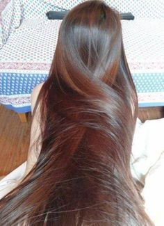 Man would I love to run my fingers through that Gorgeous, long, silky hair!