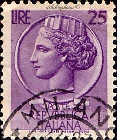 """ITALY.    """"ITALIA"""" AFTER SYRACUSIAN COIN.  Scott   630 A354, Issued  1955-58, Perf. 14, Wmk 277, 17  x 21 mm,  25. /ldb."""