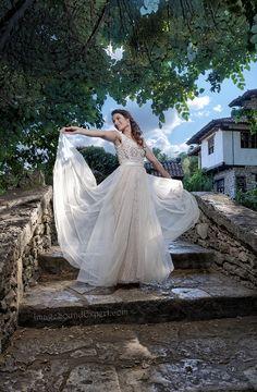 portret mireasa Wedding Dresses, Fashion, Weddings, Bride Dresses, Moda, Bridal Gowns, Alon Livne Wedding Dresses, Fashion Styles, Wedding Gowns