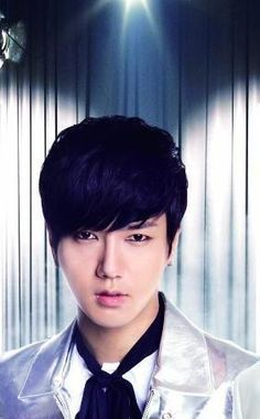 Super Junior Japanese Album 'Hero' -Yesung