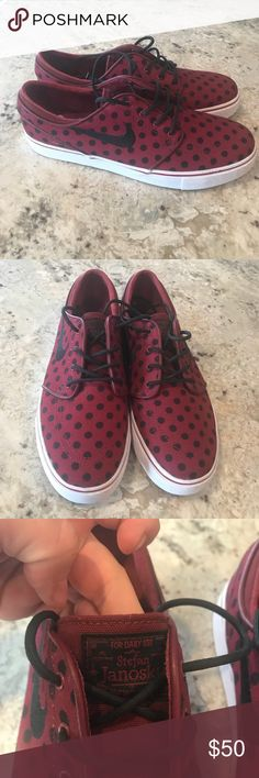 NWOT Nike SB Zoom Stefan Janoski Skate Shoe NWOT Nike SB Zion Stefan Janoski skateboarding Shoe in size 9.5 mens. Maroon and black polka dot. Perfect condition.  ......................... 🚫 - No Trades 💁🏻‍♀️ - No Modeling 🚭 - listings from a non-smoking home 📬 - fast shipping 💌 - Feel free to make an offer! Nike Shoes Sneakers