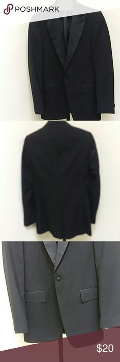 One Button Peak Style Tuxedo Jacket VTG Hunting Park single breasted, peak style, black, one button tuxedo jacket with black lining. 100% wool. From rental stock at a tuxedo store, has been dry cleaned and ready to wear. hunting park Suits & Blazers Tuxedos