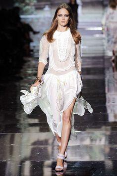 Roberto Cavalli Spring 2009 Ready-to-Wear Fashion Show - Karmen Pedaru