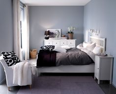 wall color with black and white