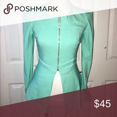 💝New list💝Mint Green blazer Mint green blazer with puffed shoulders and zip closure.CLOSET RULES: ❌No lowball offers.   ❌No trades.  ❌No offline transactions.     ✔️Reasonable offers. ✔️Suggested User. ✔️5 star rated ✔️Next day shipping ✔️Bundle discounts WINDSOR Jackets & Coats Blazers