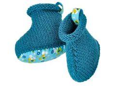 Vive le liberty pour les pieds ! Présentés dans le numéro de septembre 2012 d'Enfant Magazine, ces chaussons en jersey endroit montent à la cheville et arborent semelle et languette en liberty.
