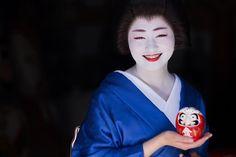 いいね!37件、コメント3件 ― yuさん(@ikey7o)のInstagramアカウント: 「. とびきりの、笑顔っ! 紗月ちゃんとだるまシリーズ#2 . #京都 #祇園 #祇園甲部 #芸妓 #舞妓 #着物 #ポートレート #ポートレート部 #japan #japanese #kyoto…」