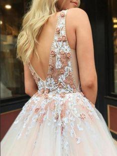 beaded long prom dress Stunning Prom Dresses, Prom Dresses Long Pink, Prom Dresses For Teens, Elegant Dresses For Women, Backless Prom Dresses, Tulle Prom Dress, Pretty Dresses, Homecoming Dresses, Evening Dresses