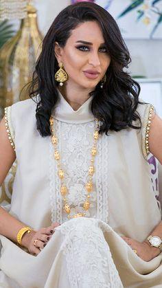 Denim Maxi Dress, Caftan Dress, Arab Fashion, African Fashion, Couture Dresses, Fashion Dresses, Mode Kimono, Arabic Dress, Conservative Fashion