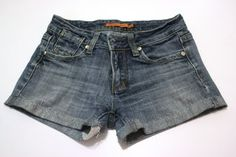This summer's DIY cut-off jeans shorts--Tutorial!