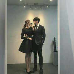 Award show We won The best couple award Mode Ulzzang, Korean Ulzzang, Ulzzang Girl, Matching Couple Outfits, Matching Couples, Cute Couples, Cute Korean, Korean Girl, Girl Couple