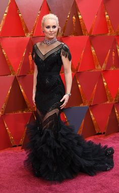 Lindsey Vonn in Christian Siriano. Imagine in bridal tone. Recreate those details that fit your style and budget. Formal Wear, Formal Dresses, Wedding Dresses, Oscars Red Carpet Dresses, Prada Clutch, Lindsey Vonn, Christian Siriano, Velvet Tops, Designer Gowns