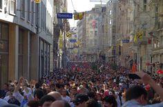 01/06/2013 istiklal caddesi. istanbul ayakta.