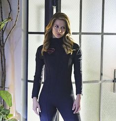 Melissa Benoist Lookin' Bad And Sexy In These SUPERGIRL New Photos! | Rama's Screen