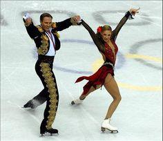 olympic ice dancing images | Russian Tatiana Navka and Roman Kostomarov won the ice dancing figure ...