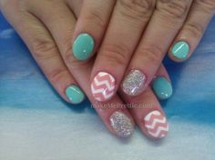 These are so freaking cute!! Chevron nails chevron nail design with gel manicure gel nails. Mani natural nails nail art designs