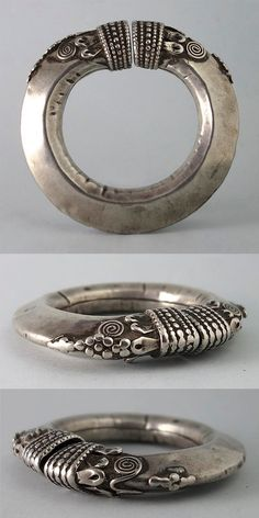 India   Antique silver bracelet (might originally have been an anklet)   215€