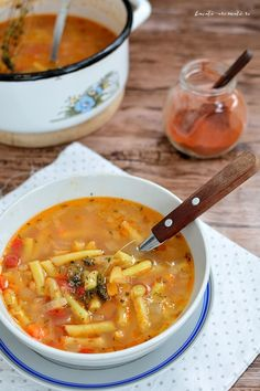 [in Romanian] Hungarian Recipes, Hungarian Food, Soup Recipes, Vegetarian Recipes, Bean Soup, Vegan Gluten Free, Fără Gluten, Summer Recipes, Cheeseburger Chowder